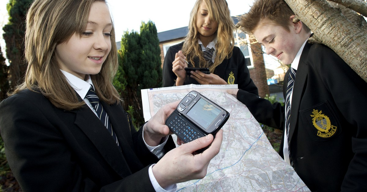 Mobile phone with mapping programme